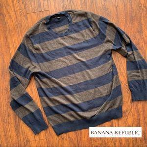 Banana Republic Men's Sweater Medium